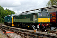 D7612/D6975 at Buckfastleigh on Saturday 30 August 2014